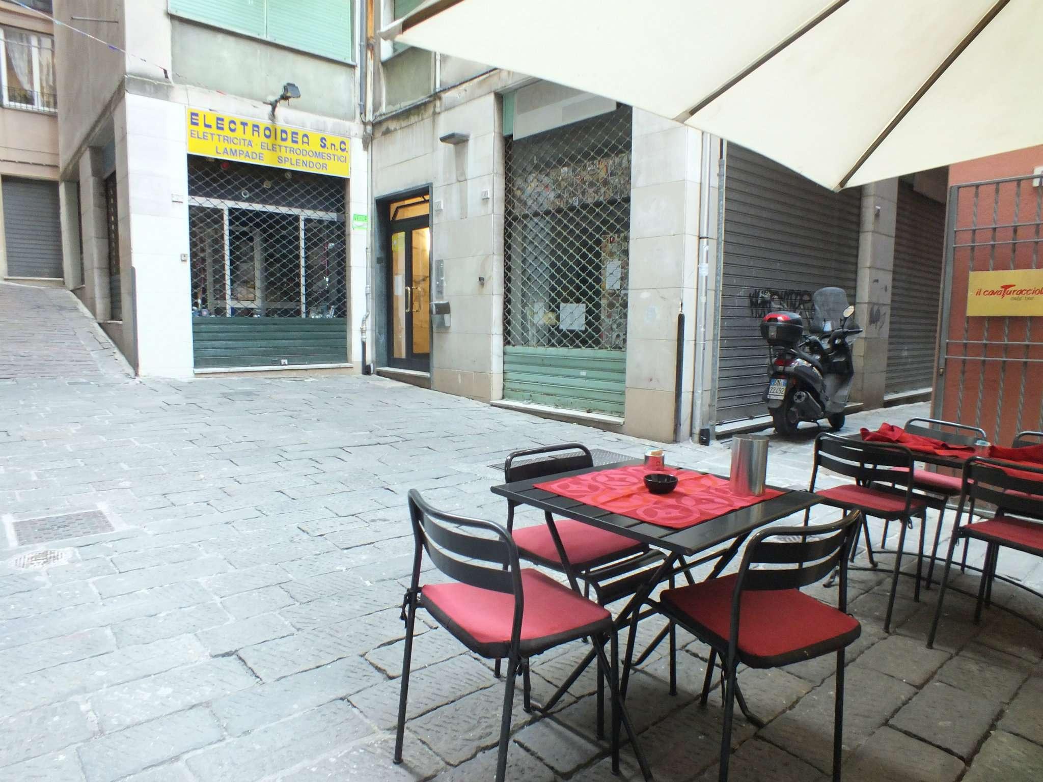 Appartamento in affitto a Genova, 4 locali, prezzo € 650   Cambio Casa.it