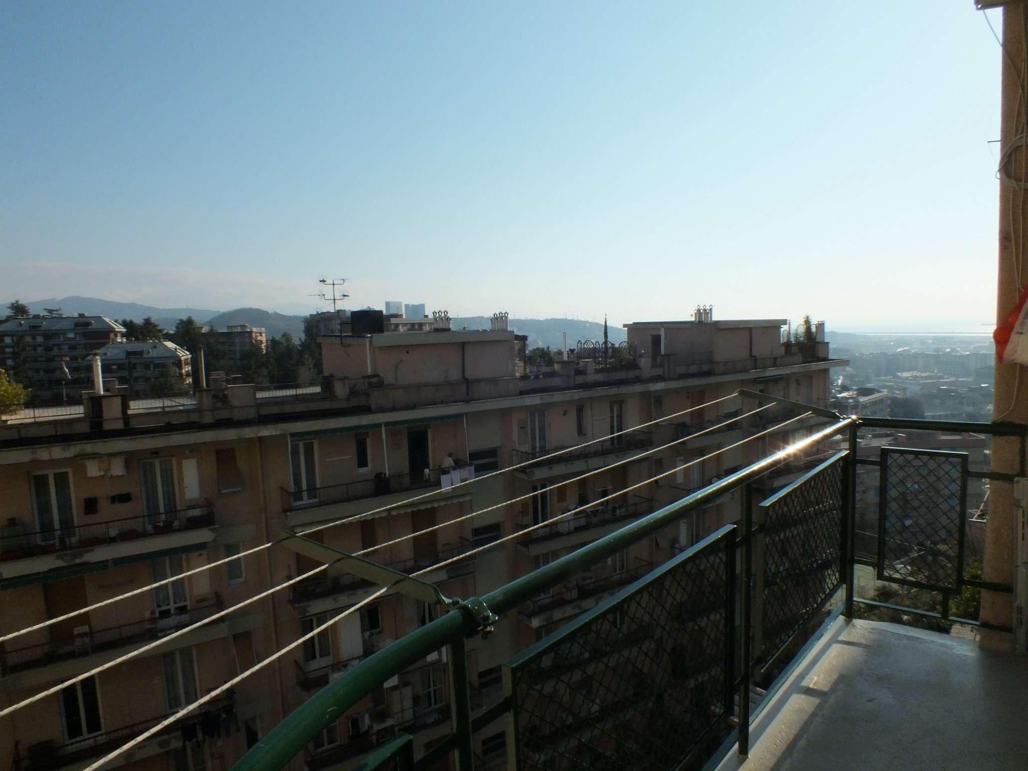 Appartamento in vendita a Genova, 4 locali, zona Zona: 13 . Sestri Ponente, Medio Ponente, prezzo € 119.000 | Cambio Casa.it