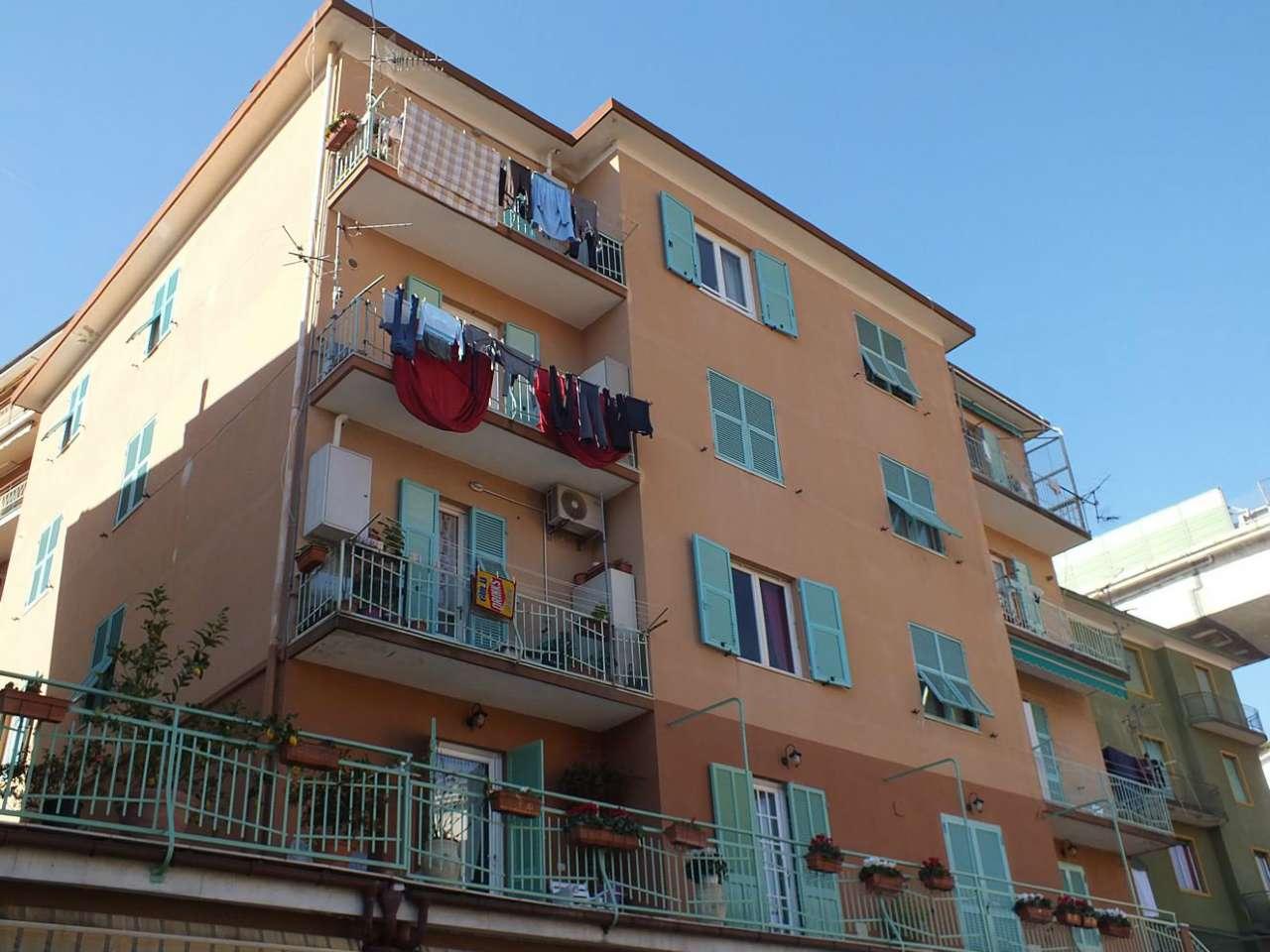Appartamento in vendita a Varazze, 6 locali, prezzo € 330.000 | Cambio Casa.it