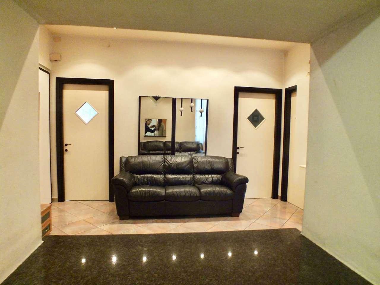 Appartamento in vendita a Genova, 5 locali, zona Zona: 13 . Sestri Ponente, Medio Ponente, prezzo € 110.000 | Cambio Casa.it
