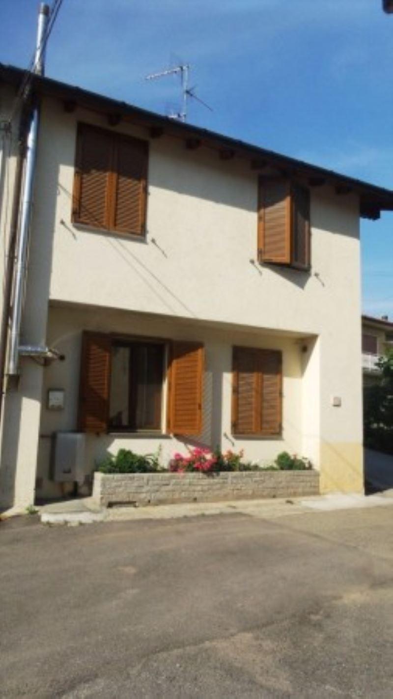 Soluzione Indipendente in vendita a Castronno, 4 locali, prezzo € 150.000 | Cambio Casa.it