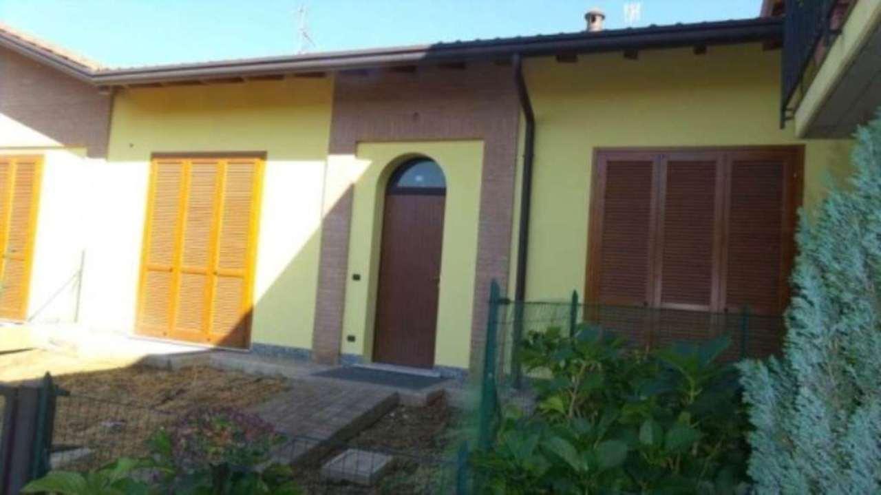 Villa a Schiera in vendita a Albizzate, 3 locali, prezzo € 190.000 | CambioCasa.it