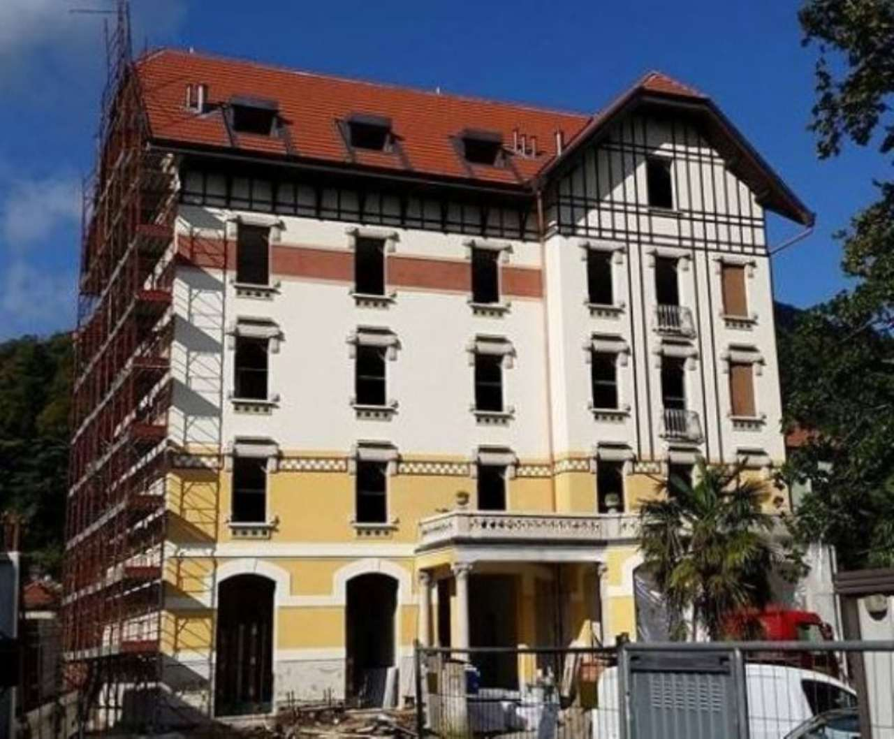 Appartamento in vendita a Viggiù, 2 locali, prezzo € 110.000 | CambioCasa.it