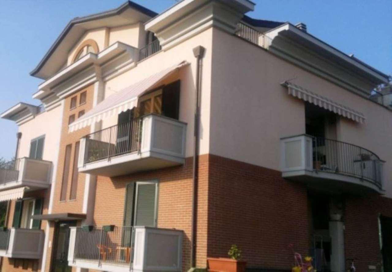 Attico / Mansarda in vendita a Carnago, 3 locali, prezzo € 199.000   Cambio Casa.it