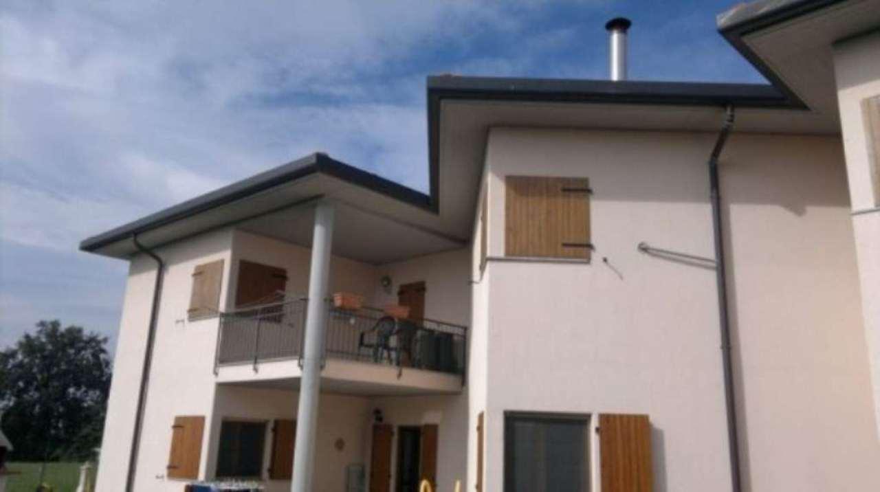 Appartamento in vendita a Caronno Varesino, 4 locali, prezzo € 179.000 | Cambio Casa.it