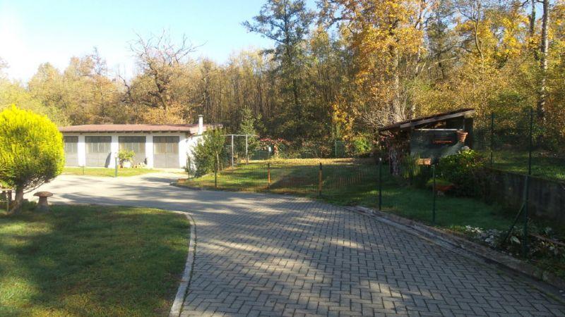Villa Tri-Quadrifamiliare in vendita a Sumirago, 4 locali, prezzo € 230.000 | Cambio Casa.it