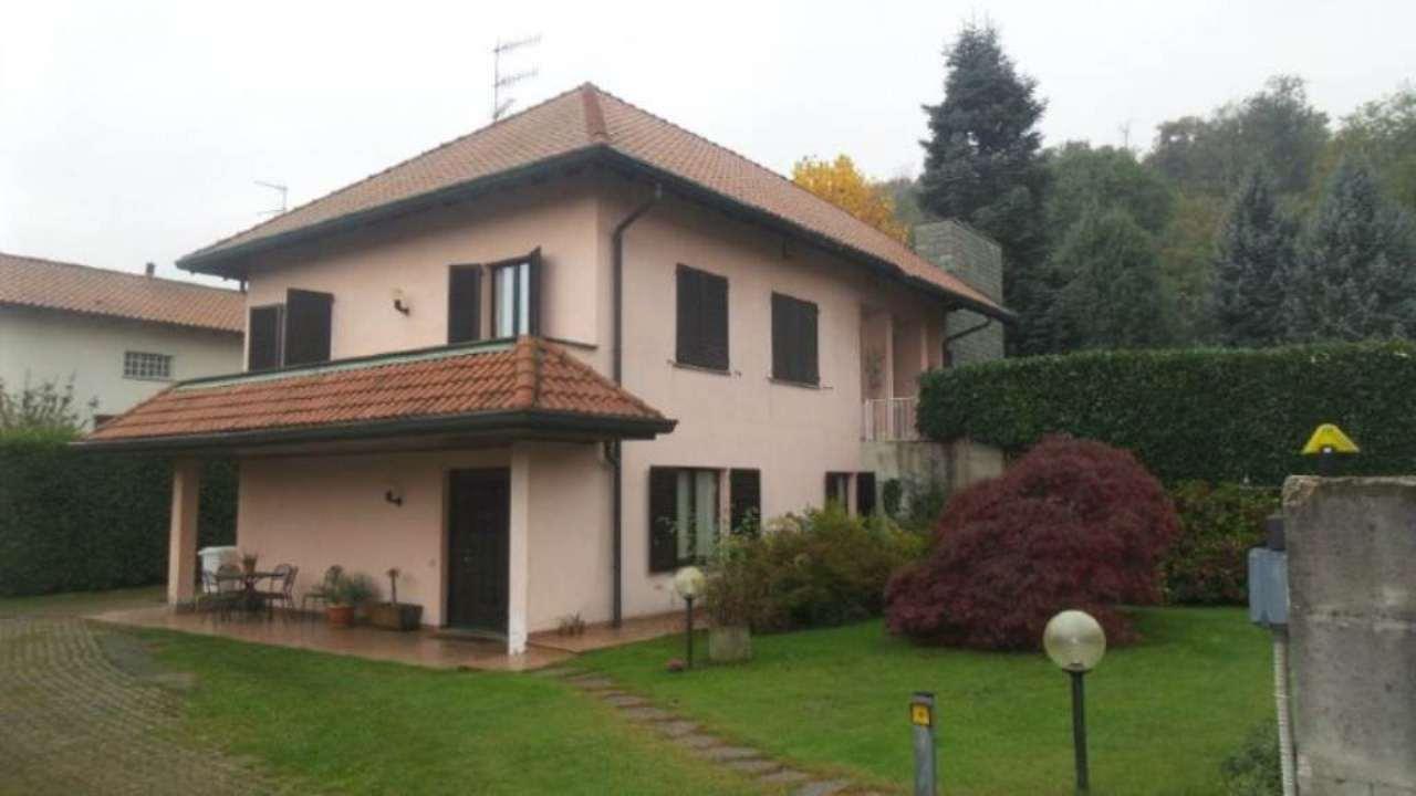 Villa in vendita a Albizzate, 7 locali, prezzo € 600.000 | Cambio Casa.it
