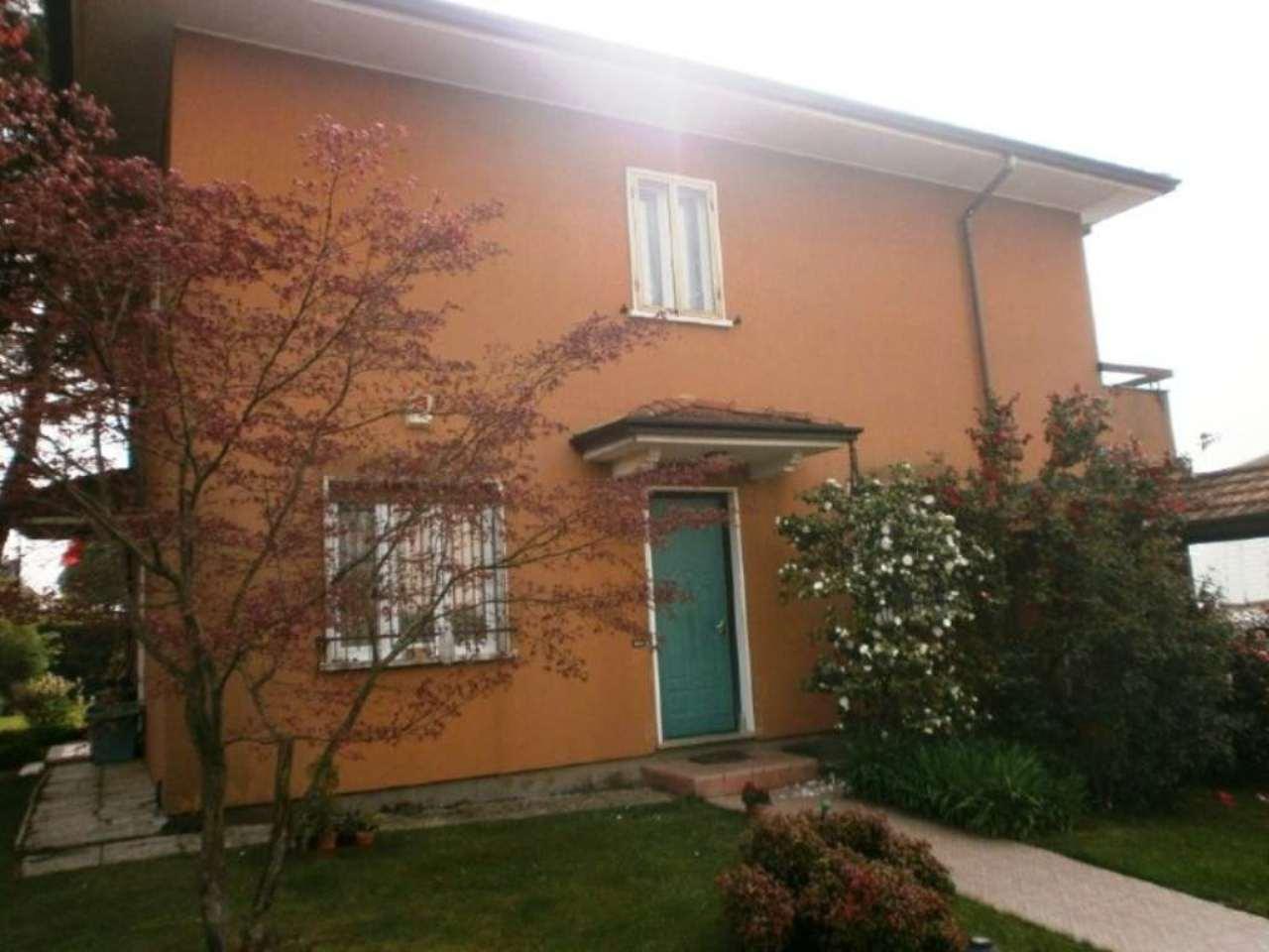 Villa in vendita a Carnago, 5 locali, prezzo € 318.000 | Cambio Casa.it