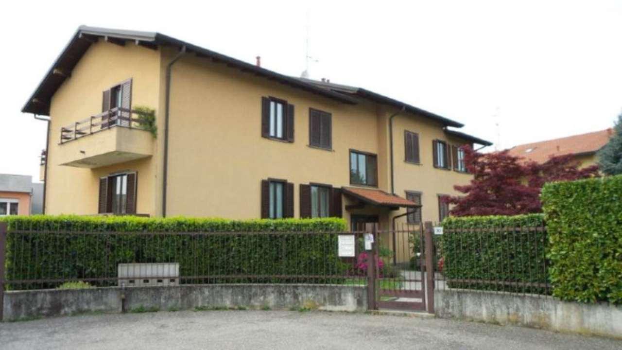 Appartamento in vendita a Carnago, 4 locali, prezzo € 185.000 | Cambio Casa.it