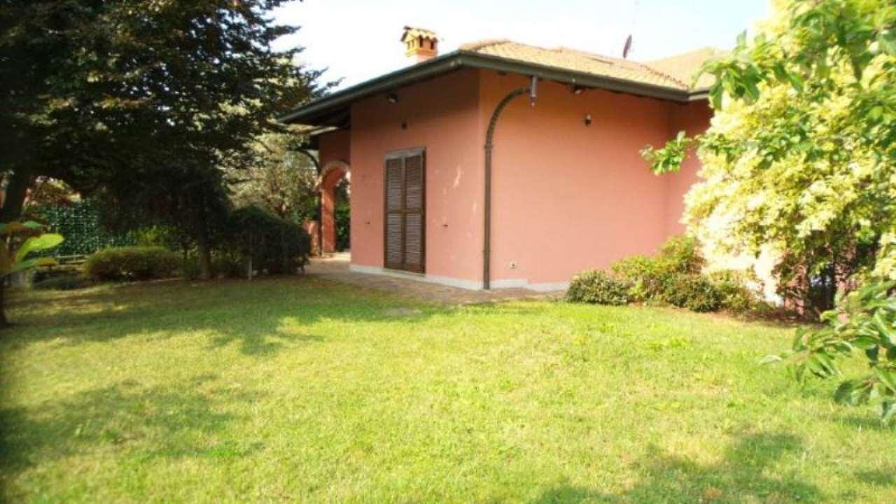 Villa in vendita a Solbiate Arno, 6 locali, prezzo € 620.000 | CambioCasa.it
