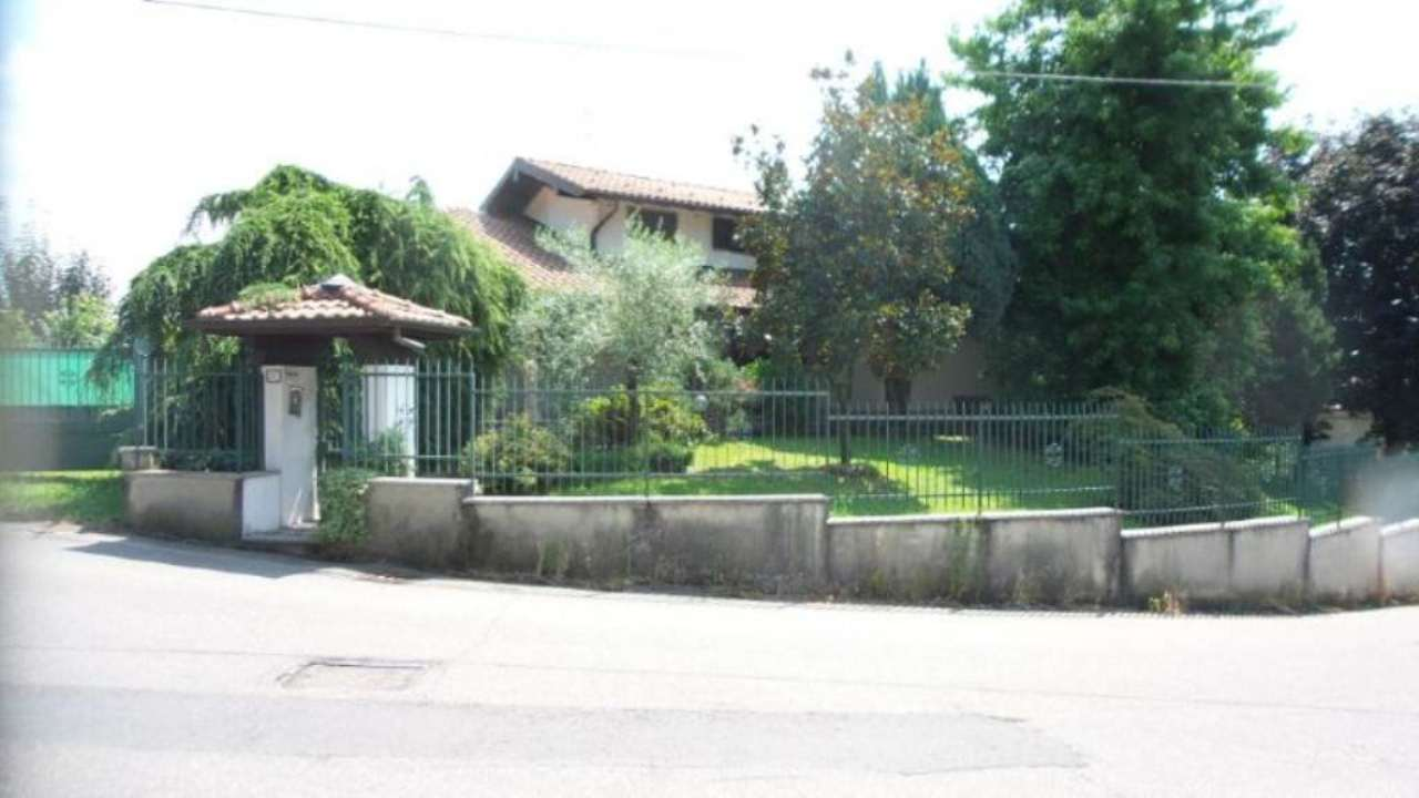 Villa in vendita a Sumirago, 5 locali, prezzo € 460.000 | CambioCasa.it