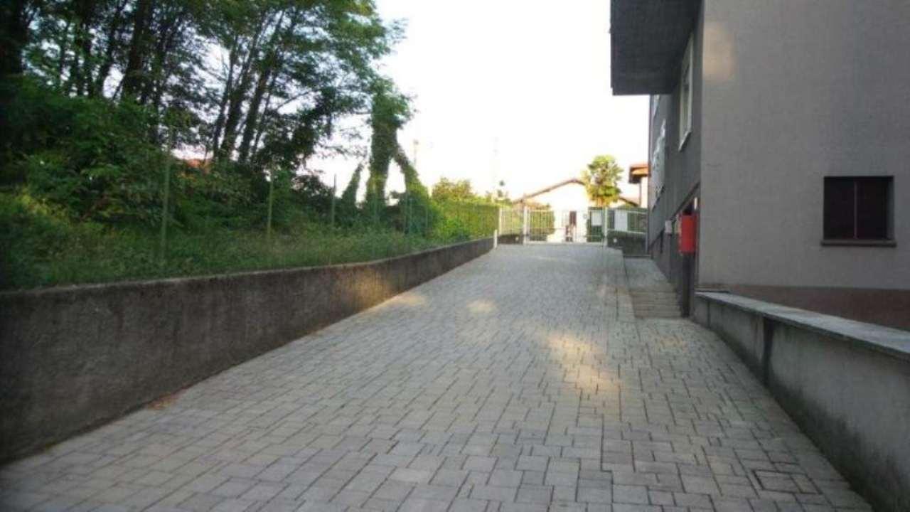 Bilocale Castronno Via Campo Dei Fiori 12