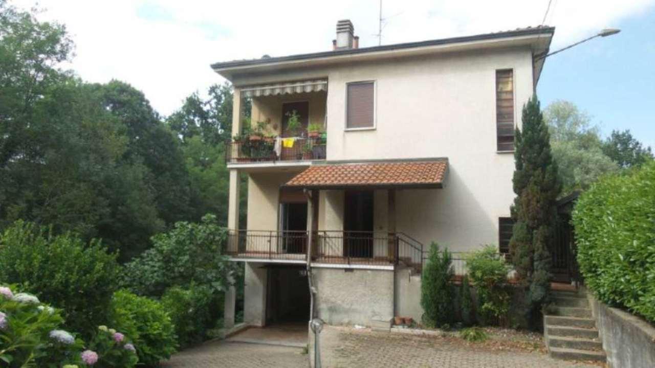 Appartamento in vendita a Caronno Varesino, 3 locali, prezzo € 170.000 | Cambio Casa.it