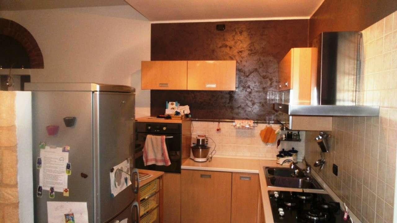 Appartamento in affitto a Caronno Varesino, 3 locali, prezzo € 600 | Cambio Casa.it