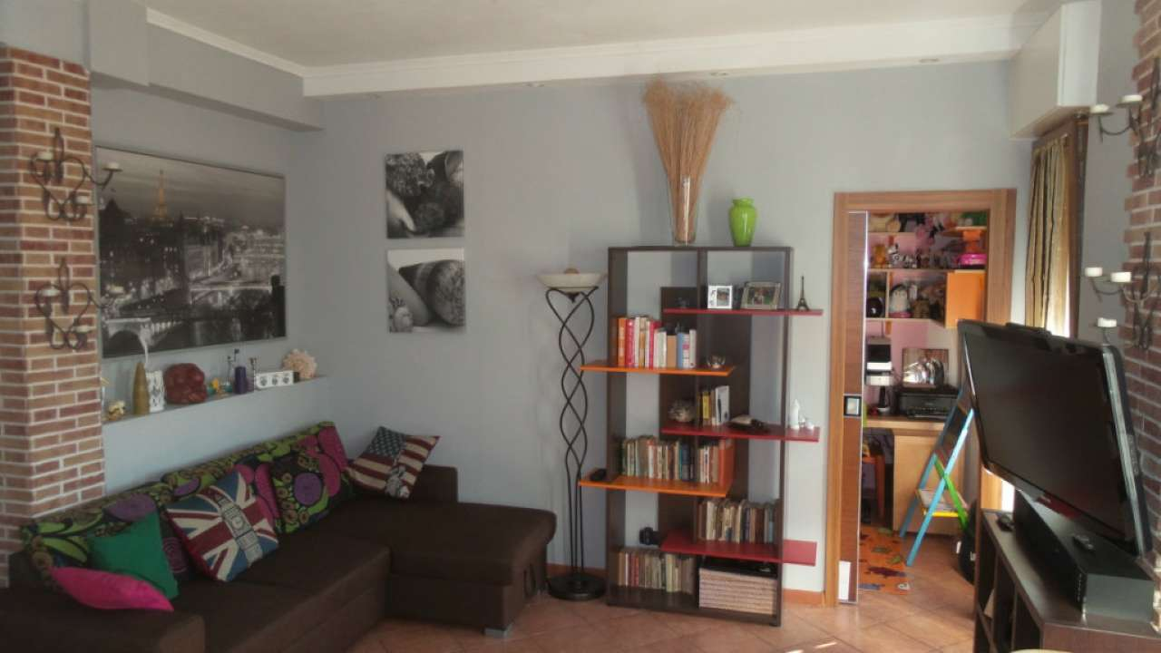 Appartamento in vendita a Caronno Varesino, 3 locali, prezzo € 95.000   Cambio Casa.it
