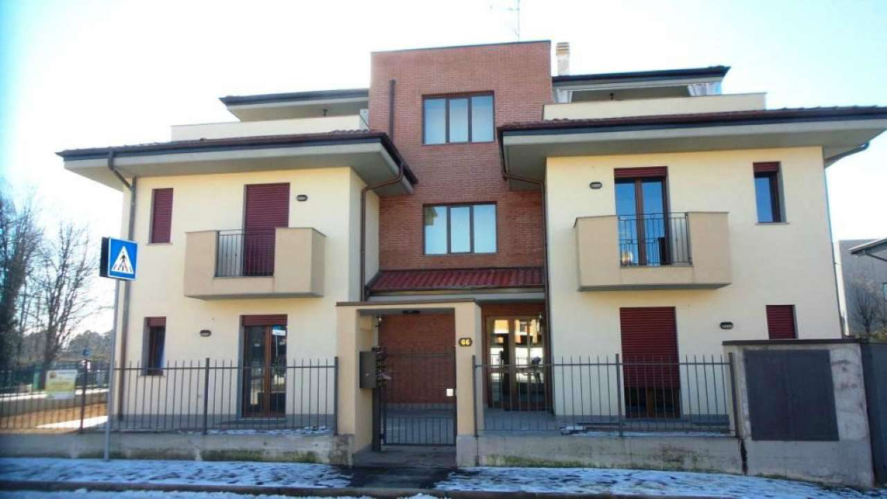 Appartamento in vendita a Carnago, 3 locali, prezzo € 170.000 | Cambio Casa.it
