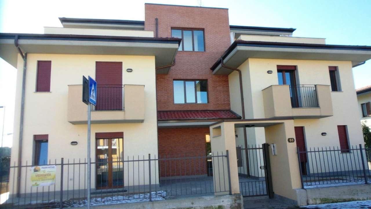 Appartamento in vendita a Carnago, 2 locali, prezzo € 128.000 | Cambio Casa.it