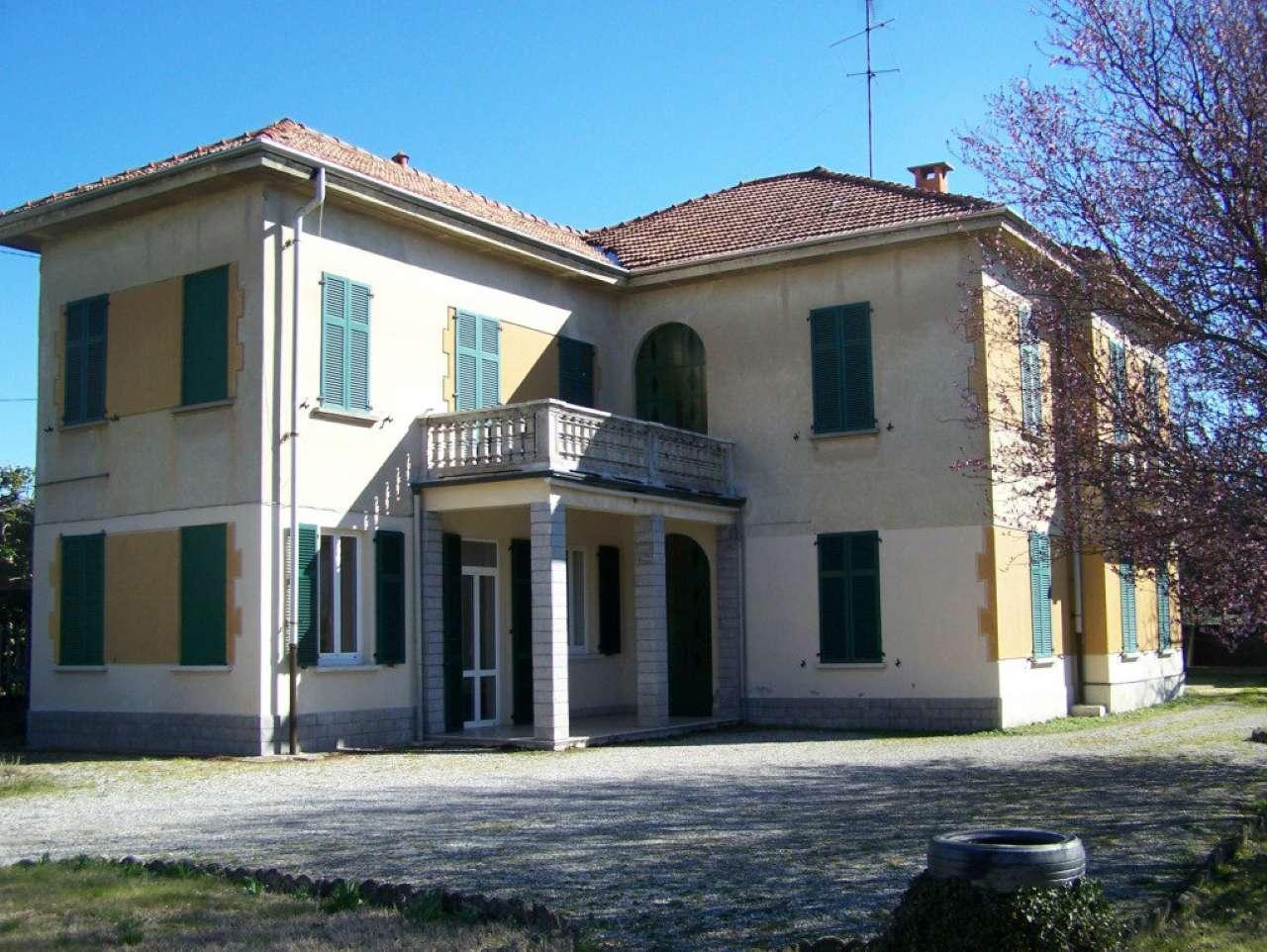 Soluzione Indipendente in vendita a Oggiona con Santo Stefano, 10 locali, prezzo € 330.000 | Cambio Casa.it