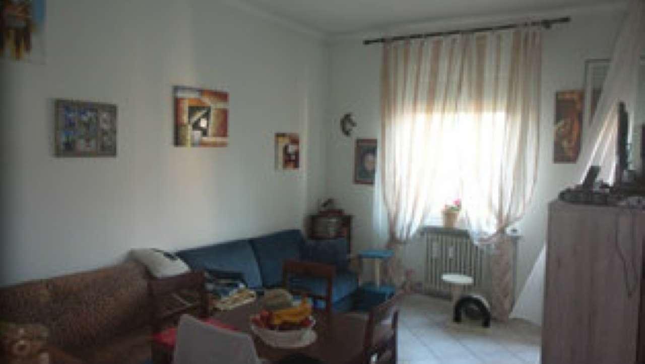 Appartamento in vendita a Albizzate, 2 locali, prezzo € 65.000 | CambioCasa.it
