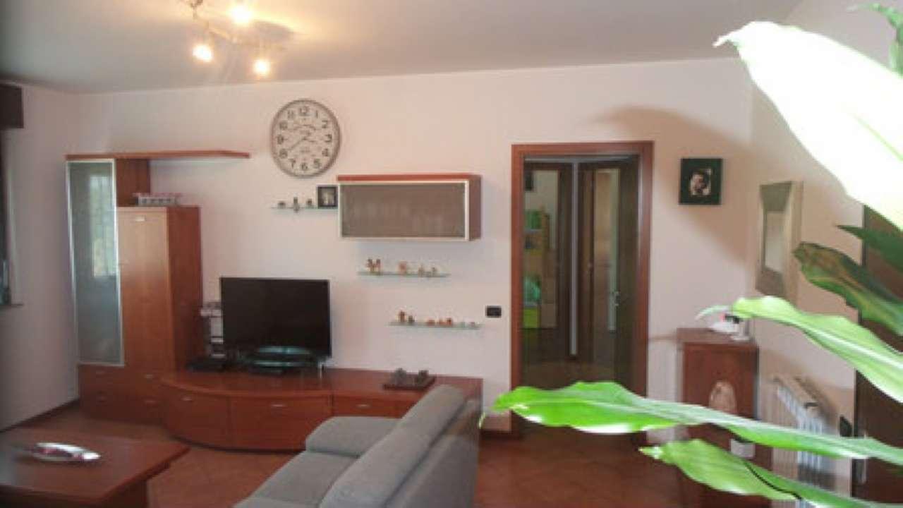 Appartamento in vendita a Carnago, 3 locali, prezzo € 185.000 | Cambio Casa.it