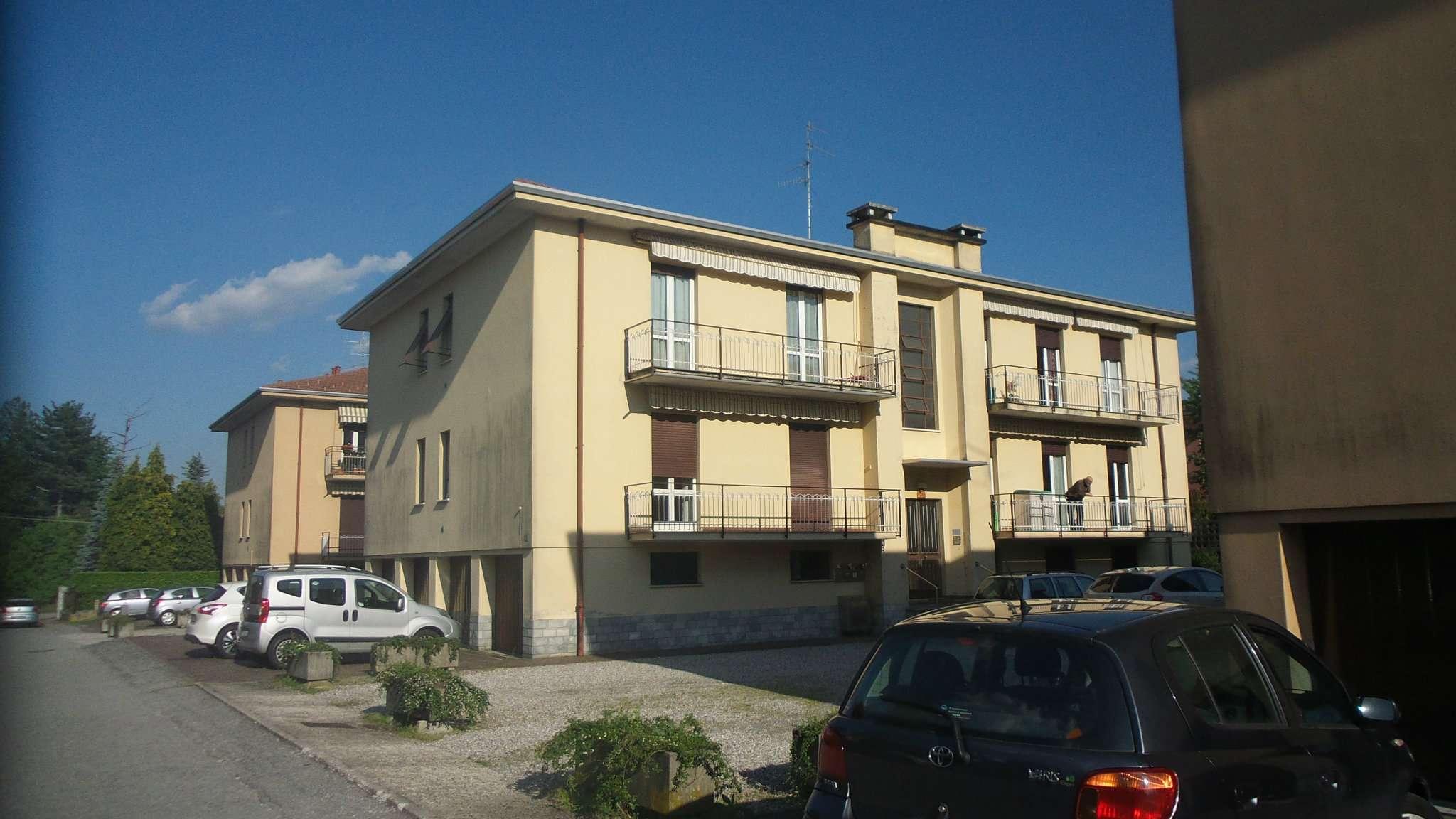 Appartamento in vendita a Albizzate, 3 locali, prezzo € 115.000 | CambioCasa.it