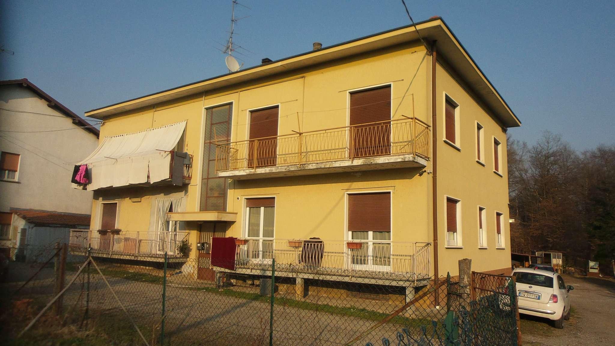 Appartamento in vendita a Caronno Varesino, 3 locali, prezzo € 105.000   Cambio Casa.it