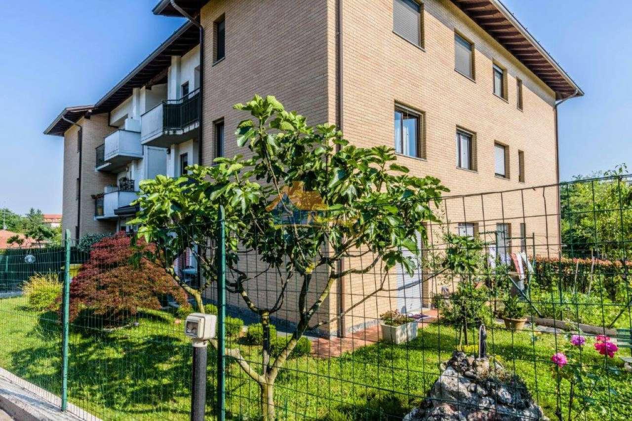Appartamento in vendita a Carnago, 3 locali, prezzo € 148.000   CambioCasa.it