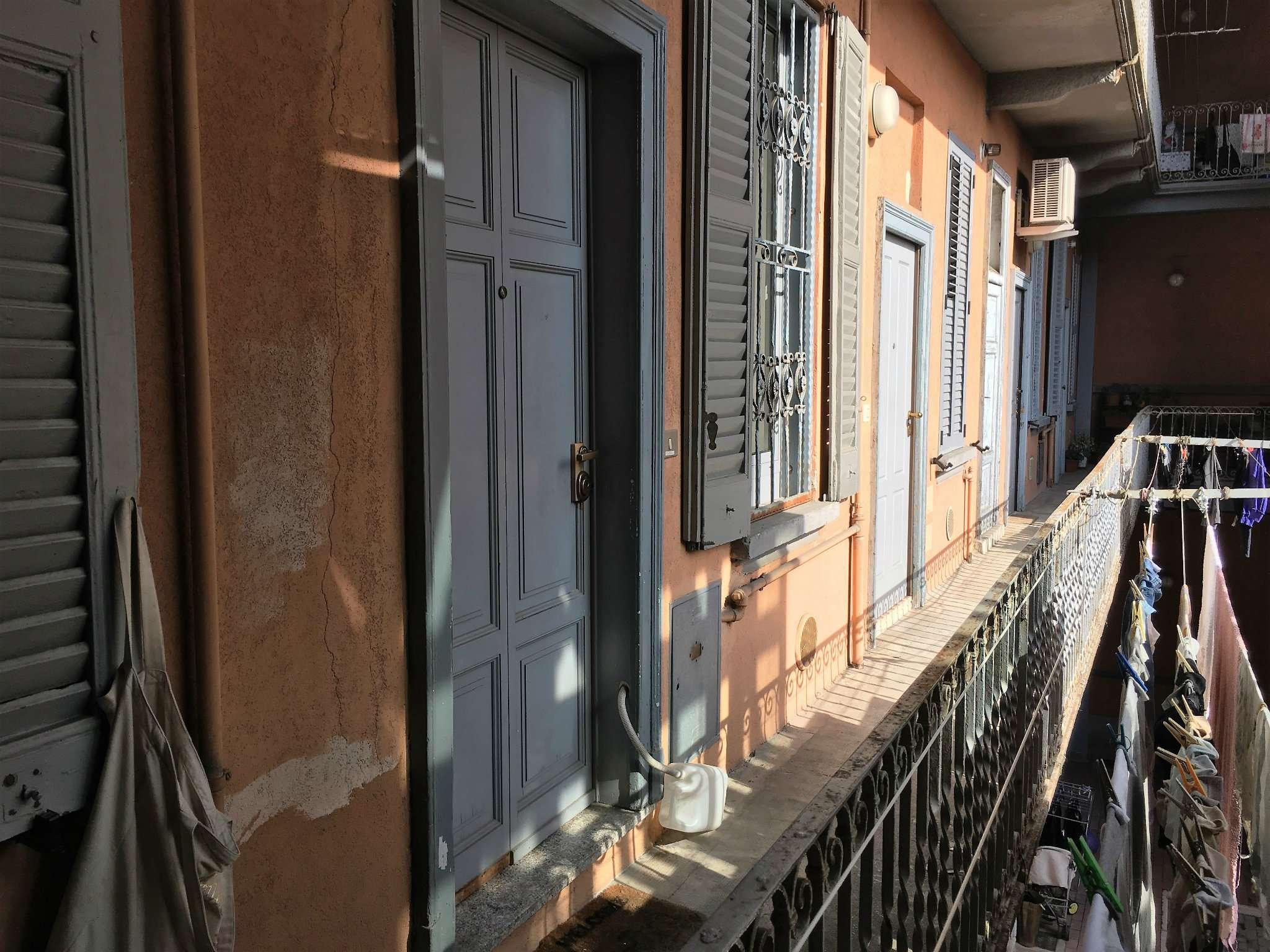 Bilocale Milano Via Conte Verde 9