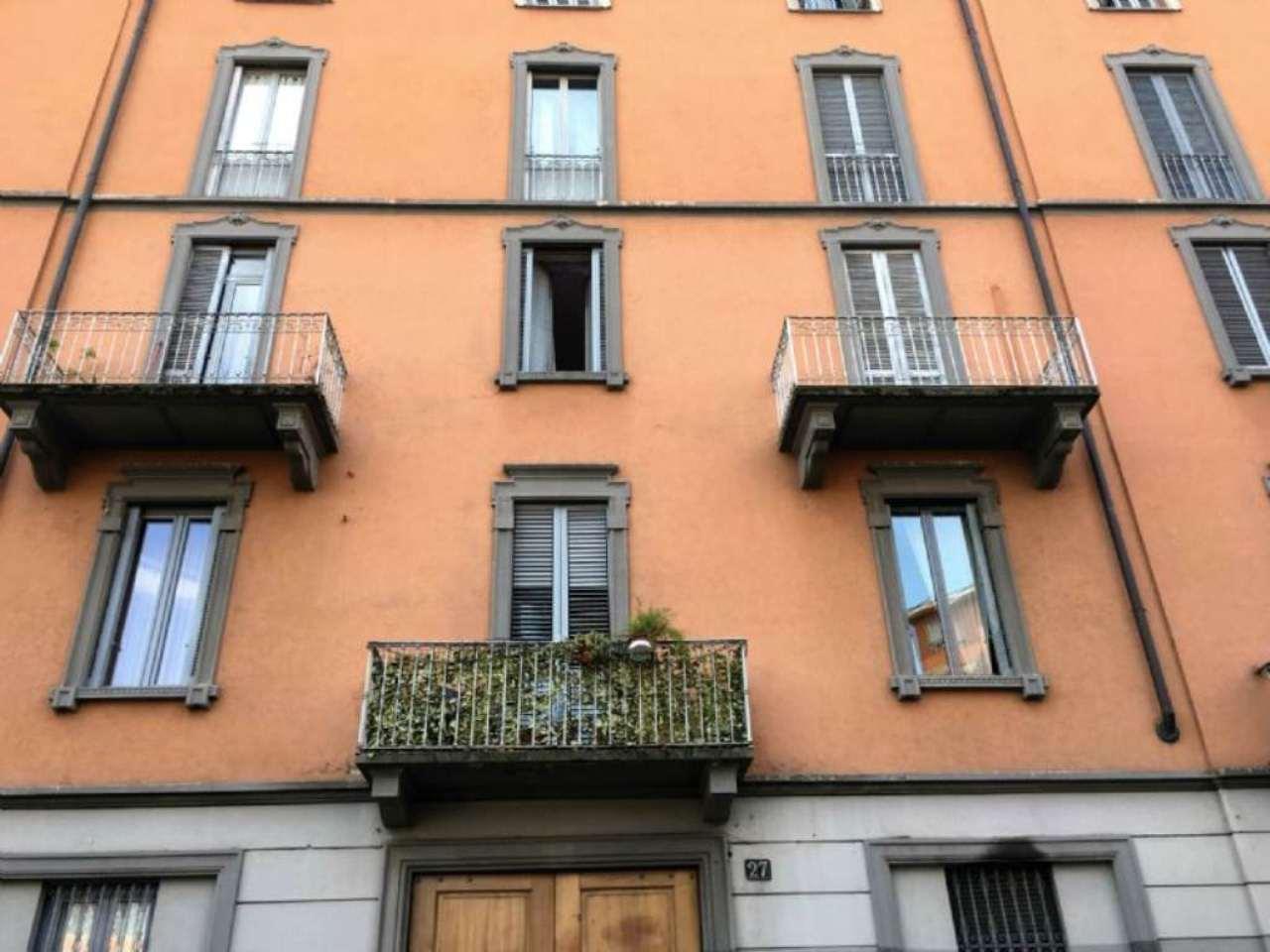 Bilocale Milano Via Conte Verde 6