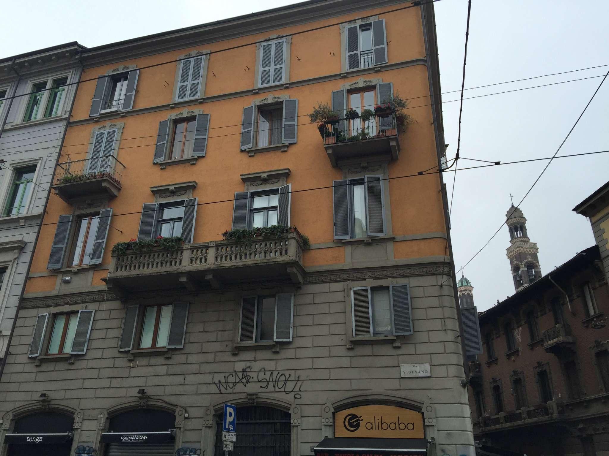 Bilocale Milano Via Corsico 1
