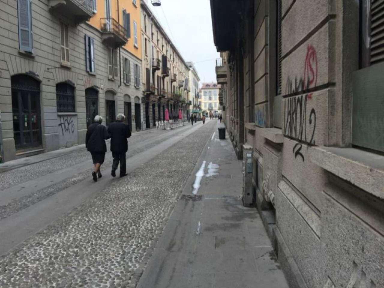 Bilocale Milano Via Corsico 2