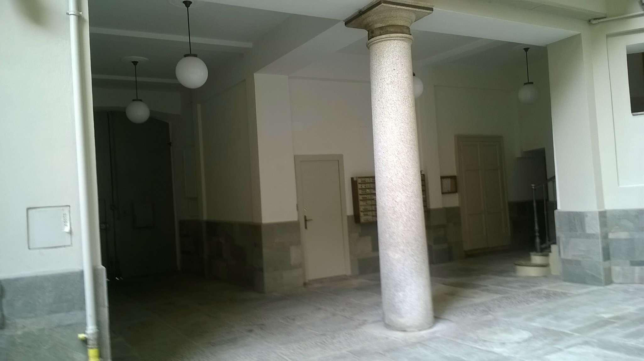 Bilocale Milano Via Corsico 5