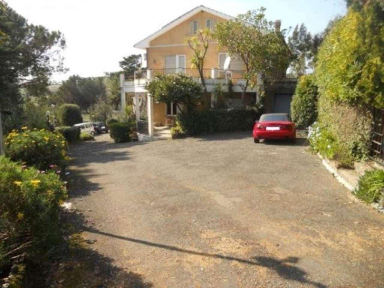 Villa in vendita a Santa Marinella, 6 locali, prezzo € 750.000 | Cambio Casa.it