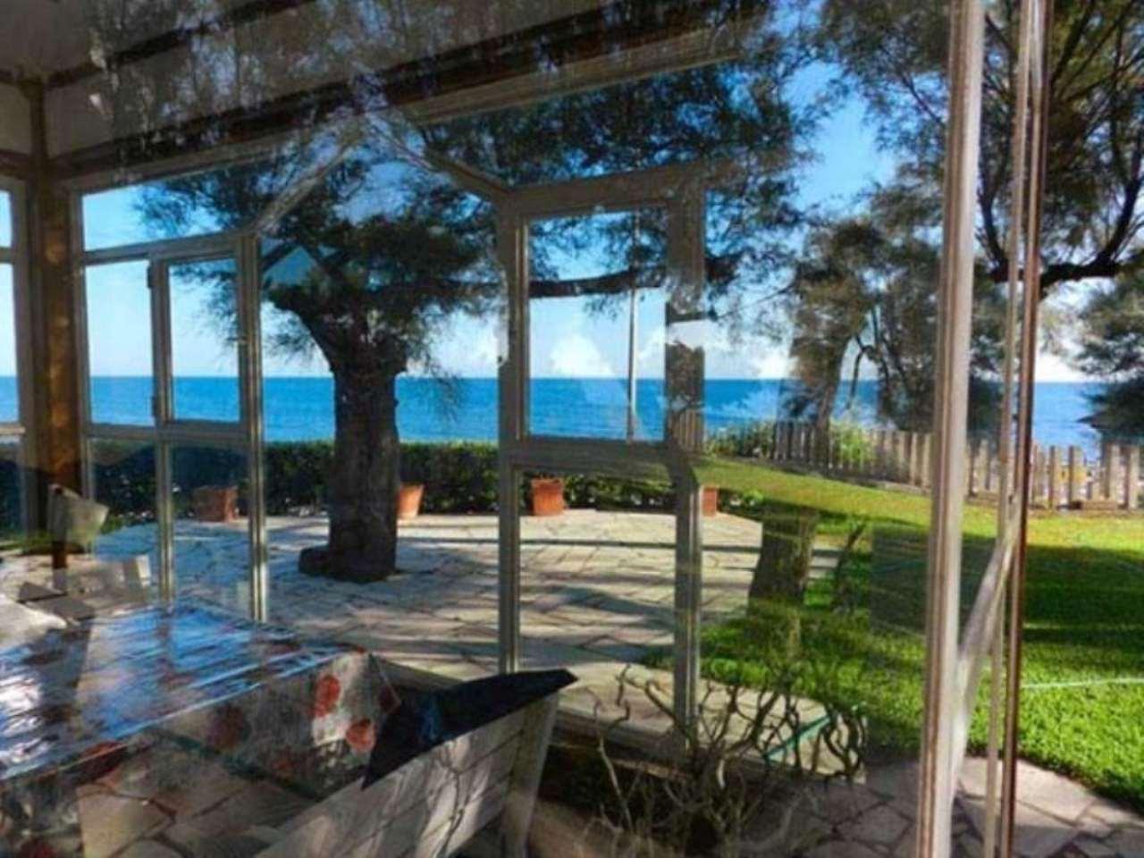 Villa a Schiera in vendita a Santa Marinella, 6 locali, prezzo € 750.000 | Cambio Casa.it