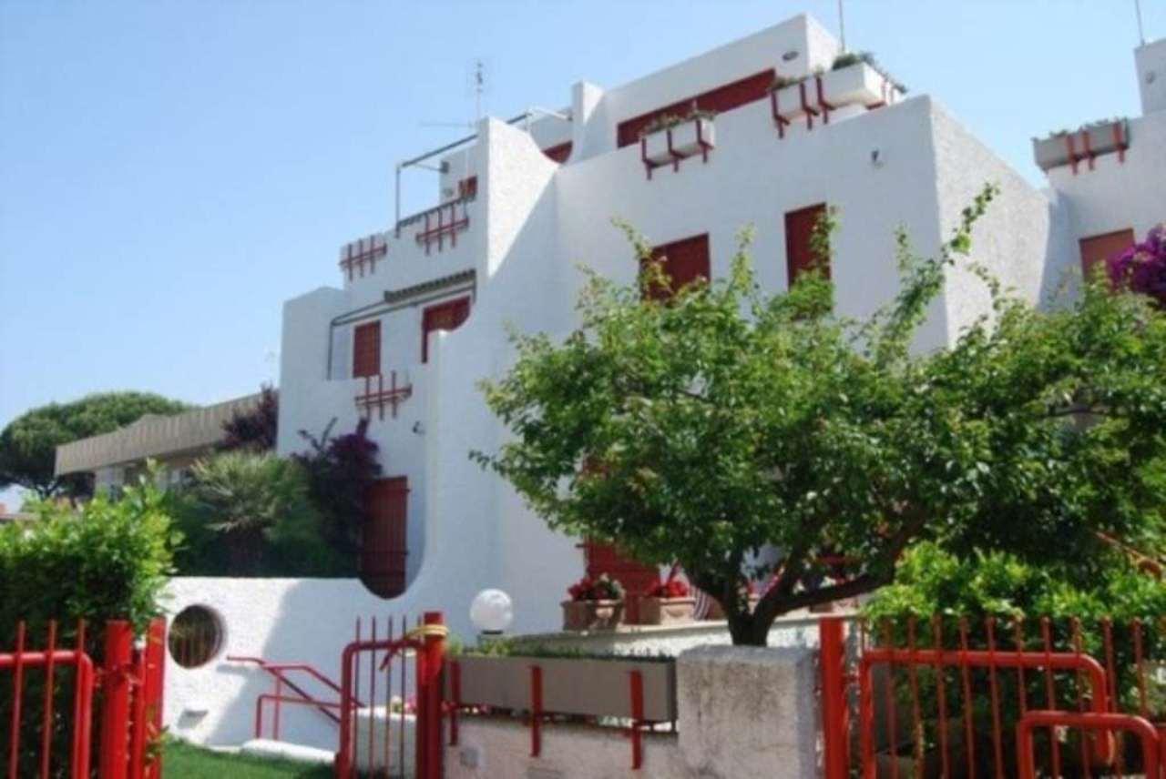 Villa a Schiera in vendita a Santa Marinella, 5 locali, prezzo € 365.000 | CambioCasa.it