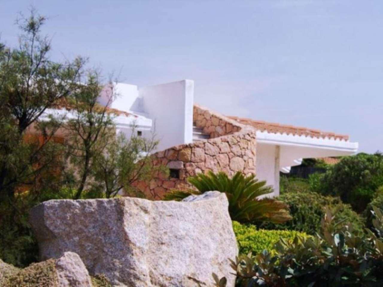 Villa in vendita a Aglientu, 5 locali, prezzo € 980.000 | CambioCasa.it