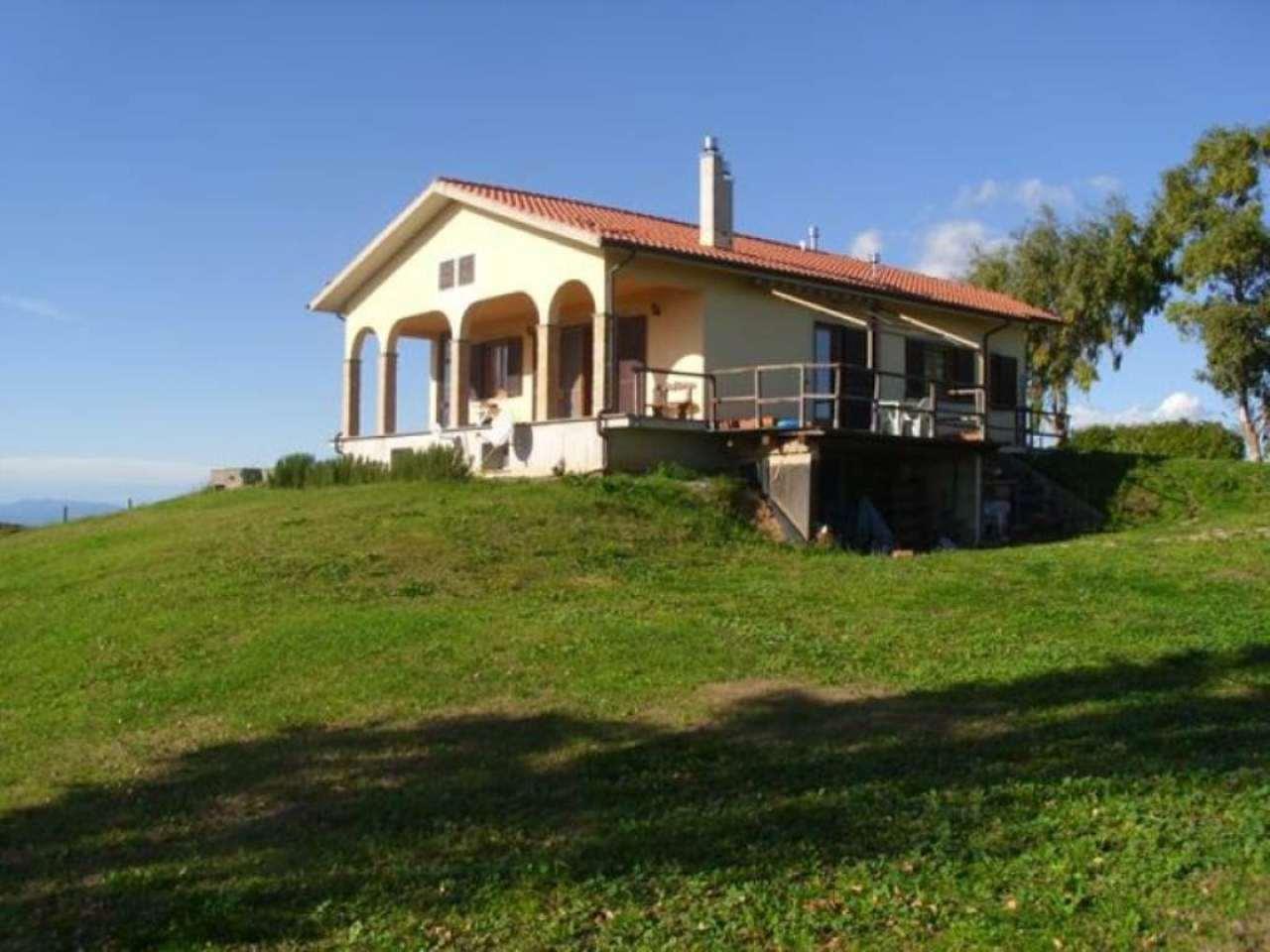 Villa in Vendita a Tarquinia