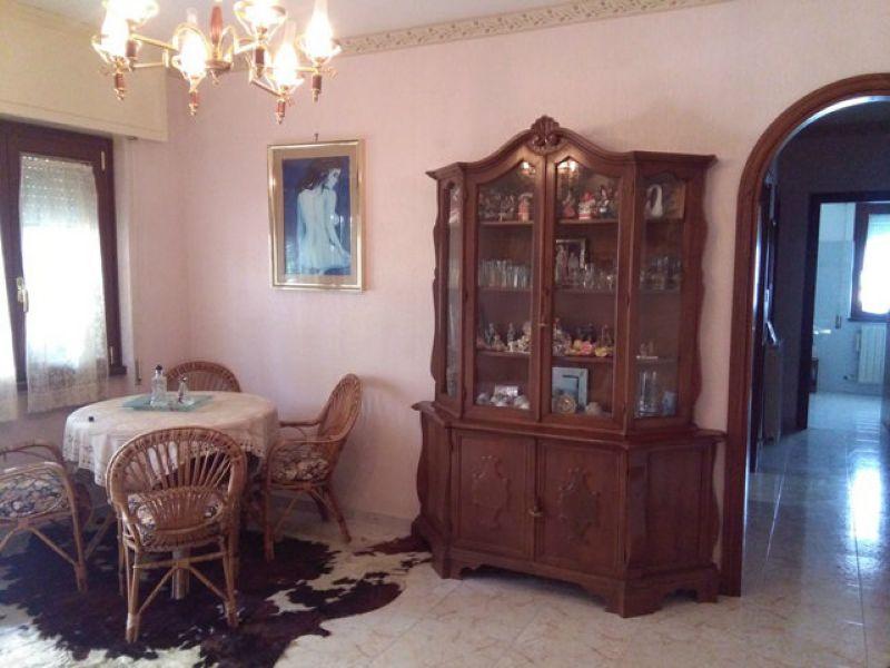 Appartamento in vendita a Santa Marinella, 3 locali, prezzo € 180.000 | Cambio Casa.it