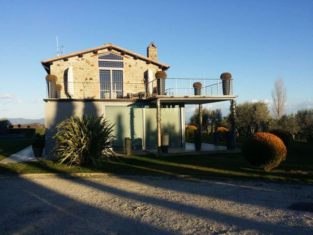 Villa in vendita a Montefiascone, 10 locali, prezzo € 1.735.000 | Cambio Casa.it