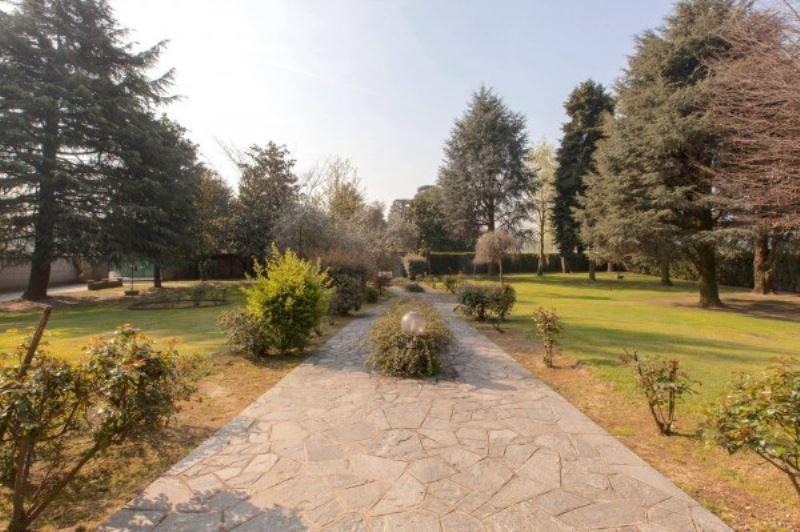 Villa in Vendita a Bareggio