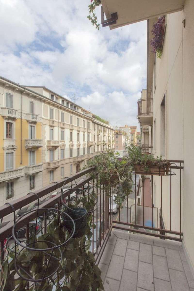 Bilocale Milano Via Volterra 11