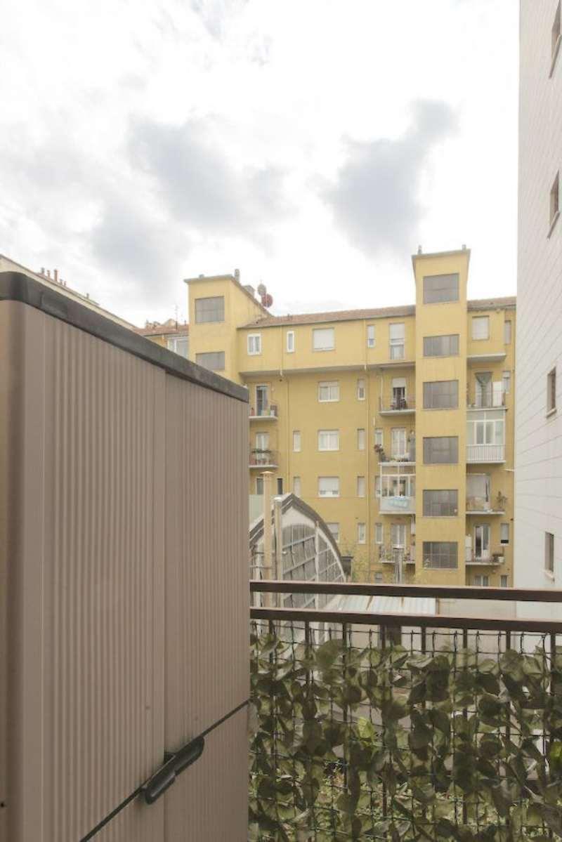 Bilocale Milano Via Volterra 12