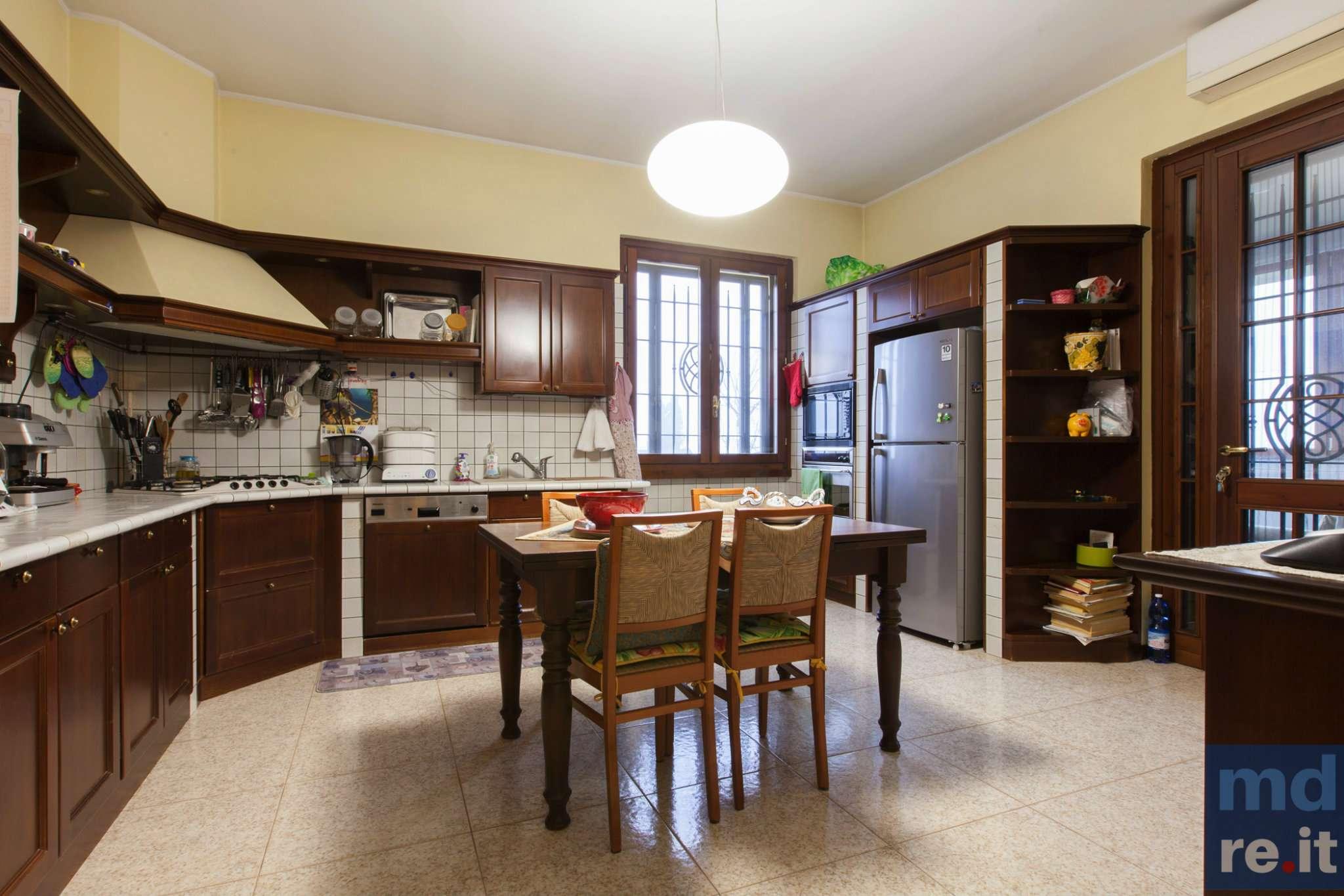 Soluzione Indipendente in vendita a Pieve Fissiraga, 7 locali, prezzo € 650.000 | Cambio Casa.it