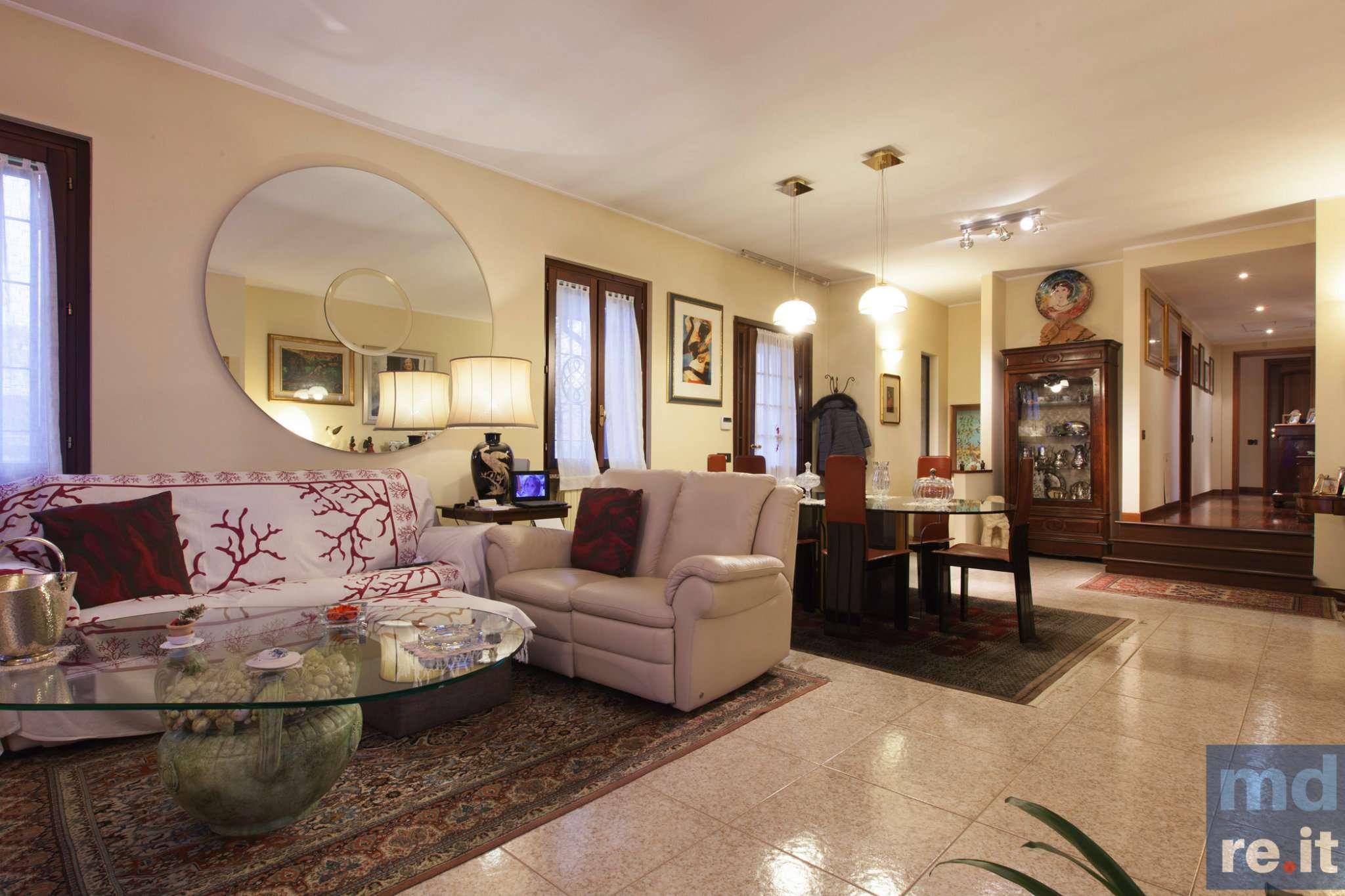 Soluzione Indipendente in vendita a Pieve Fissiraga, 5 locali, prezzo € 650.000 | Cambio Casa.it
