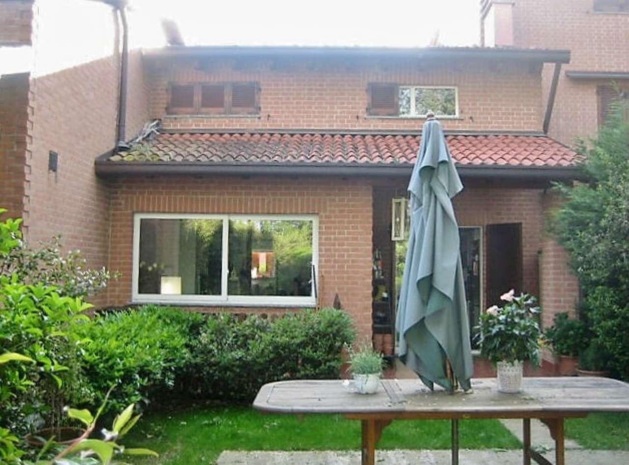 Villa in vendita a Carate Brianza, 3 locali, prezzo € 295.000   CambioCasa.it