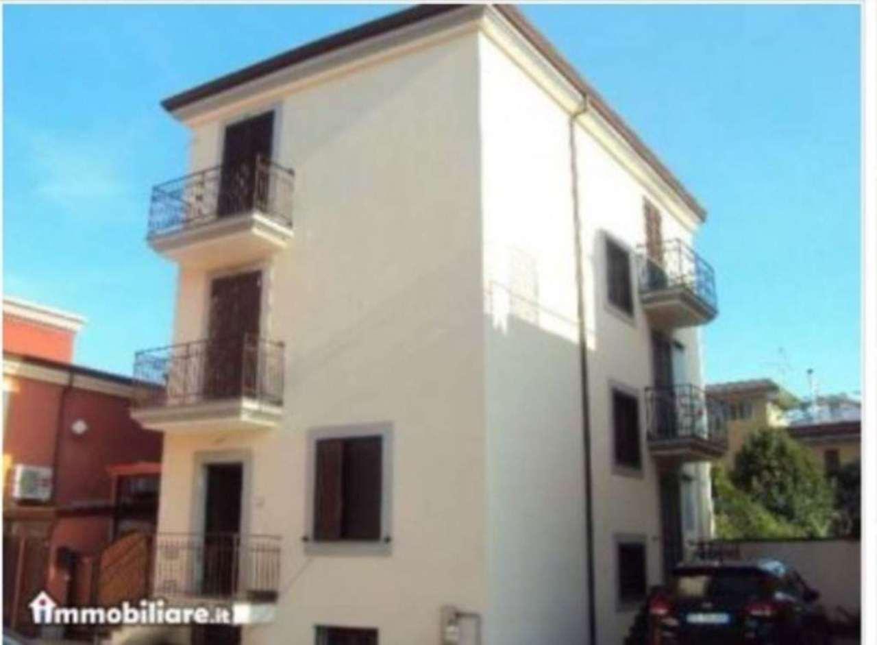 Villa in vendita a Pomigliano d'Arco, 5 locali, prezzo € 360.000 | Cambio Casa.it