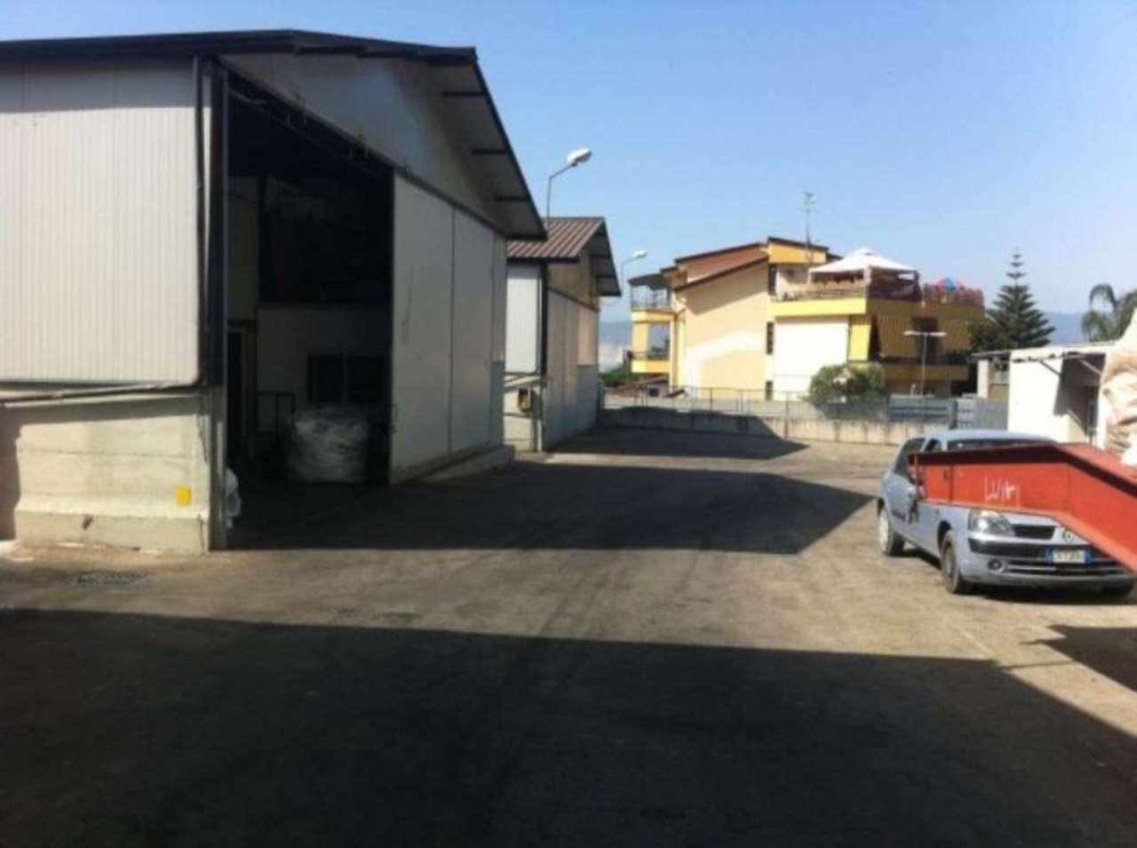 Capannone in vendita a Somma Vesuviana, 6 locali, prezzo € 330.000 | Cambio Casa.it