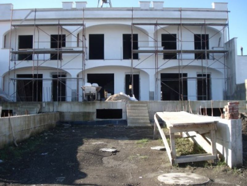 Villa in vendita a Somma Vesuviana, 5 locali, prezzo € 150.000 | CambioCasa.it