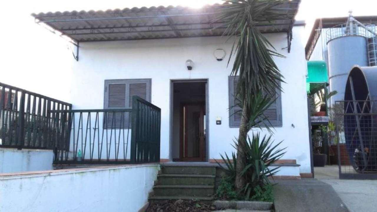 Ufficio / Studio in affitto a Sant'Anastasia, 3 locali, prezzo € 600 | Cambio Casa.it