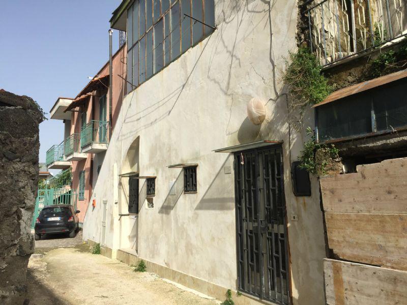 Appartamento in vendita a Sant'Anastasia, 4 locali, prezzo € 110.000 | Cambio Casa.it